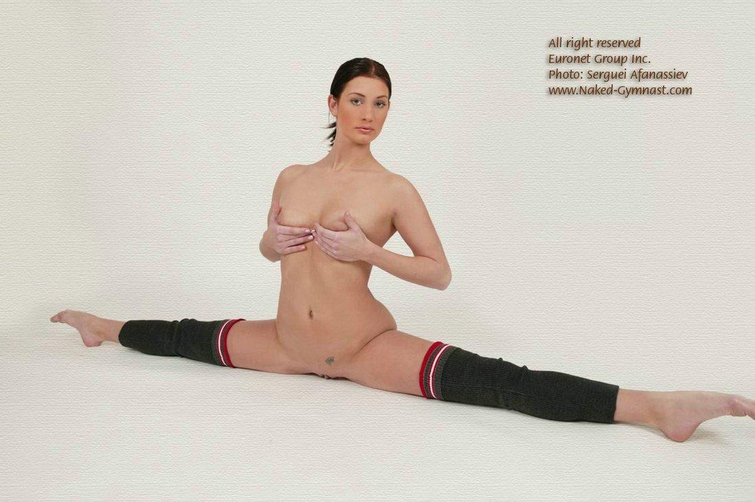 Фото раздвинутых ног гимнасток