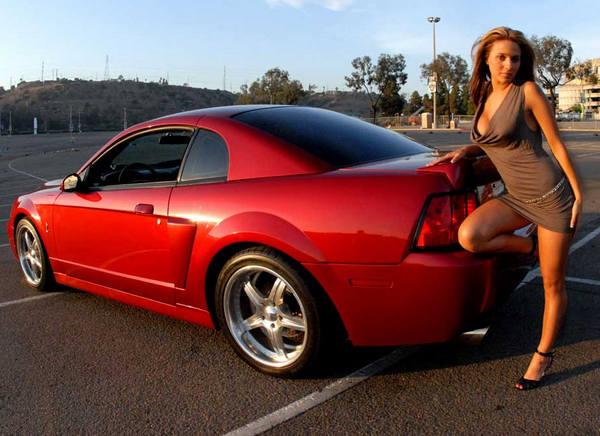 форд мустанг и девушки